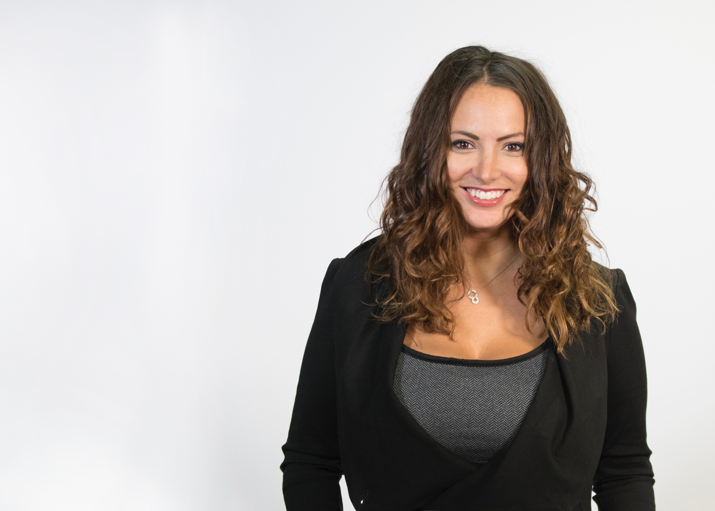 Gina Grad image
