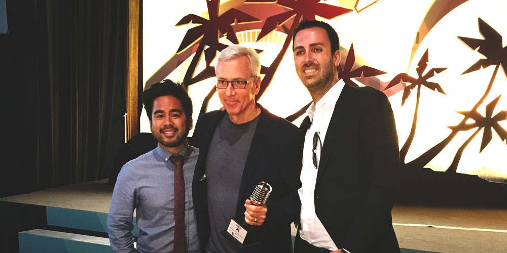 Dr. Drew Receives 2017 Podcast Movement Award!